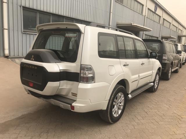 2018款三菱帕杰罗3.8L 顶级SUV气质出众